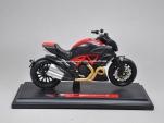Mô tô 1/18 - Ducati Diavel Carbon - Maisto