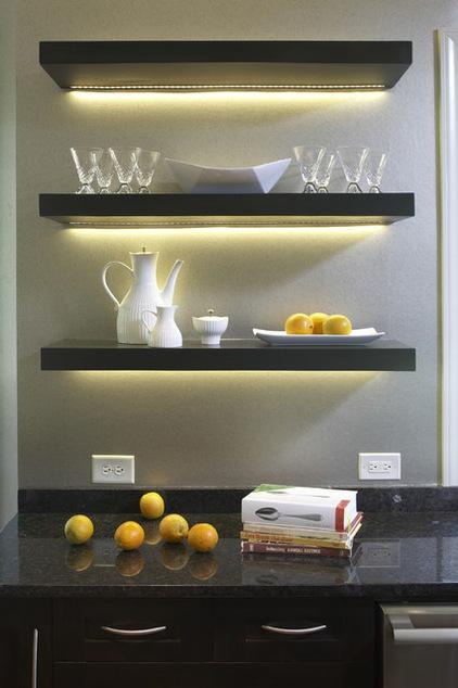 Kích thước nhỏ gọn của đèn Led dễ dàng trang trí kệ bếp