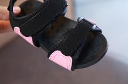 Sandal bé gái đế su.