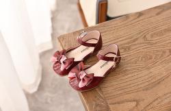 Sandal da bóng mềm