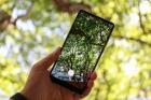 Hình ảnh trên tay và chụp cận cảnh tuyệt đẹp của Xiaomi Mi Mix 2