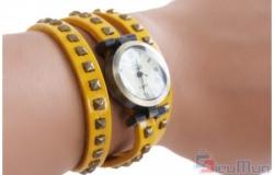 Đồng hồ dây da cổ điển